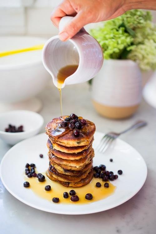 huckleberry pancakes-1008